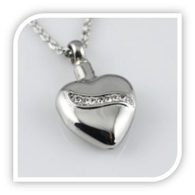 Herz mit schrägverlaufenden Steinen